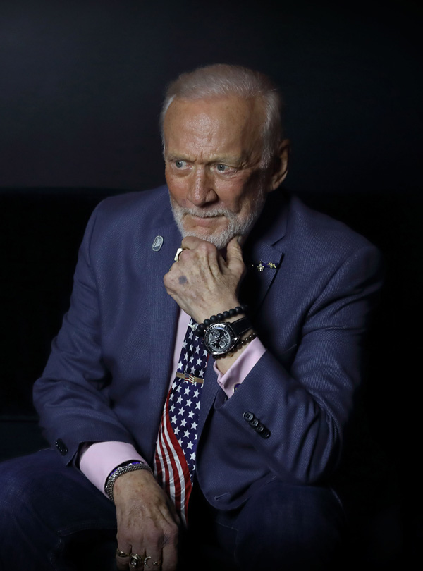 Buzz Aldrin And Black Dial Copy UK Omega Speedmaster Professional Moonphase Chronograph