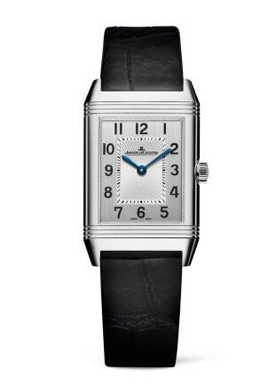 Whether for the square case or the harmonious dial design, this fake Jaeger-LeCoultre just adhered to the real one.
