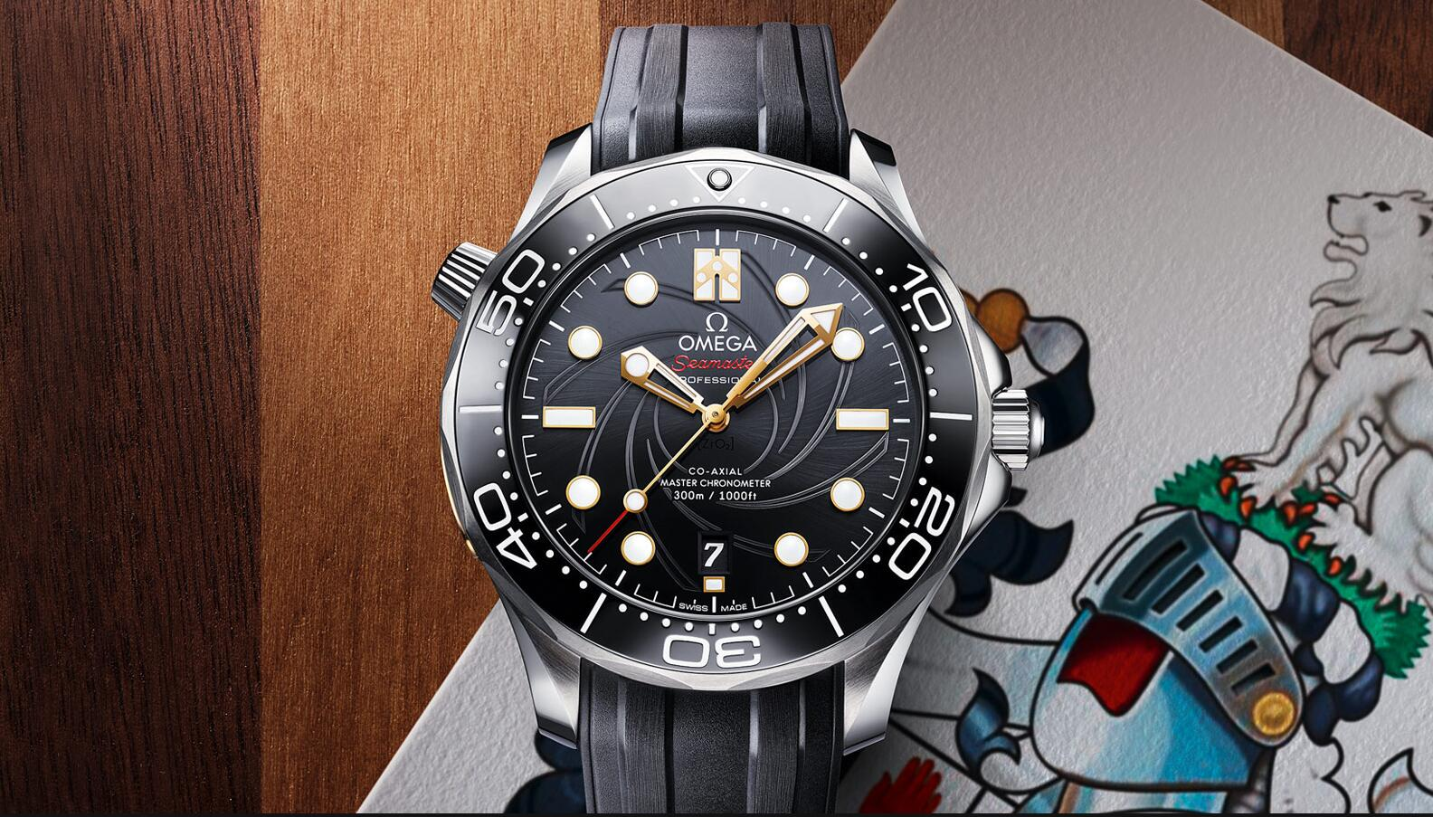The stainless steel copy watches have black rubber straps.