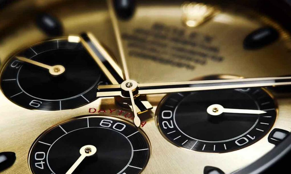 The champagne dials copy watches have black rubber straps.