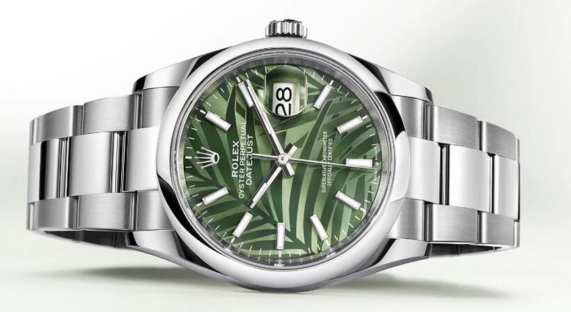 Swiss made replica watches are novel for the palm design.